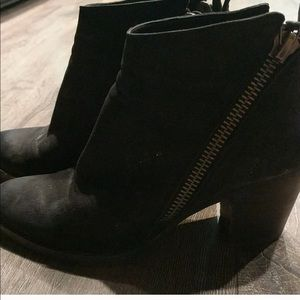 Dolce Vita Black Zipper Booties